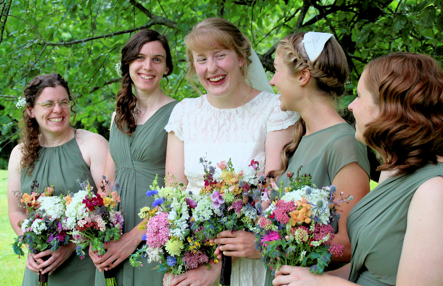 diy wedding flowers bouquets bridal party